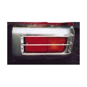 PROTECTION FEUX ARRIERE INOX SUR P/CHOC NISSAN PATROL GR 1993- 1997 (X2)