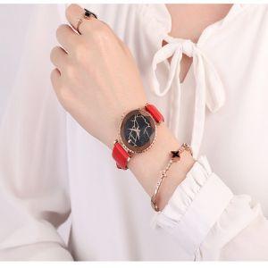 Trendy Quartz Montre-bracelet En Cuir Irrégularité Verre Ciel étoilé Round Digi Simle Montre pour les femmes Multicolor