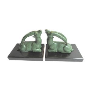Serre-livres en métal art déco gazelle oryx sur terrasse en marbre noir