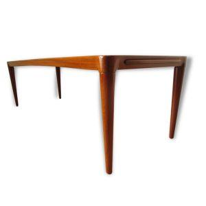 Longue table basse en teck
