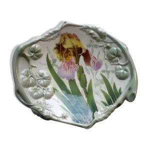 Coupe en barbotine art déco signée Luneville décor polychrome iris et tomates vertes