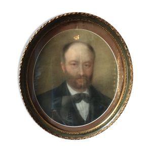Portrait d'homme encadré