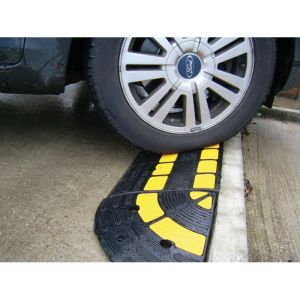 Rampe de trottoir avec passe cable integré OPTO : Hauteur - 150 mm
