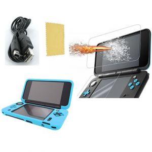 Pack 3 en 1 Nintendo New 2DS XL : Housse silicone Bleu turquoise - Chargeur USB - Protection écran verre trempé - Straße Game ®