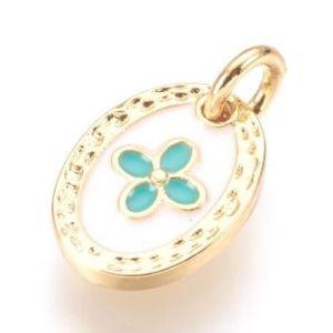 Charm, pendentif médaille en laiton doré et émail blanc avec croix verte- 9mm + anneau (1)