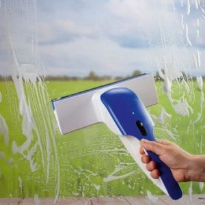 Lave-vitre aspirateur