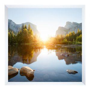 Agrandir photo en Cadre photo bois en structure veinée en blanc carré en format 80 x 80 cm
