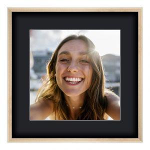 Agrandir photo en Cadre photo bois en structure brossée en or carré en format 80 x 80 cm