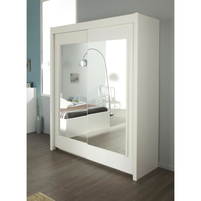 but armoire blanche perfect chambre a coucher moderne. Black Bedroom Furniture Sets. Home Design Ideas