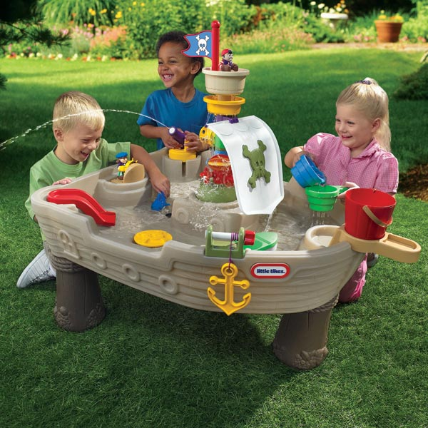 little tikes jeux d 39 eau bateau de pirates comparer avec. Black Bedroom Furniture Sets. Home Design Ideas